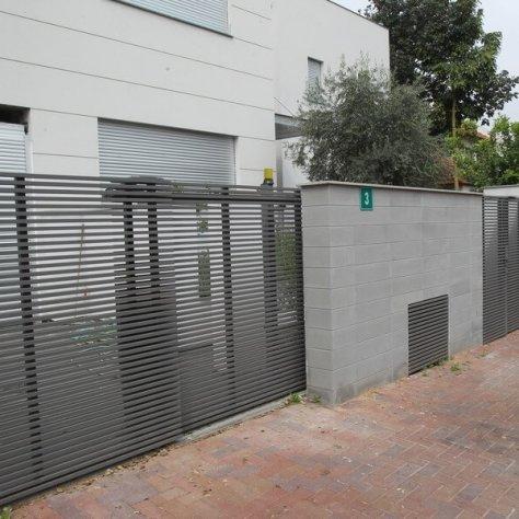 גדרות של בית פרטי