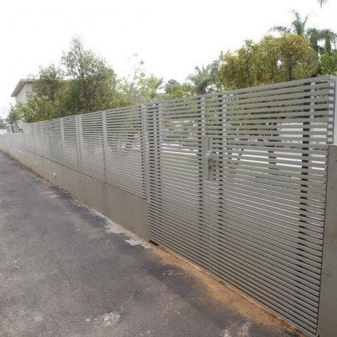 גדר בניה פרטית