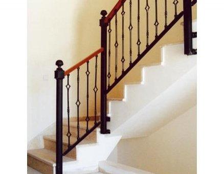 מעקה מדרגות בטיחותי