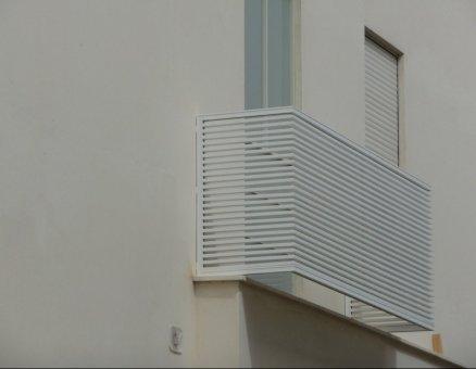 מעקות איכותיים למרפסות