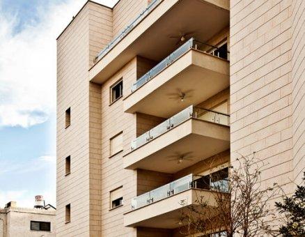 מעקות למרפסות לבנייני מגורים