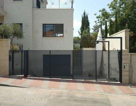 סנפיר שערים-סגנון צף