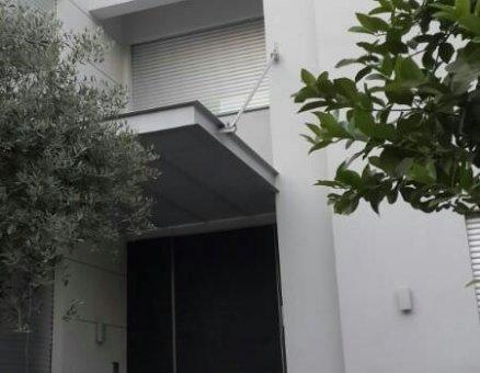 פרגולה לכניסה לבית
