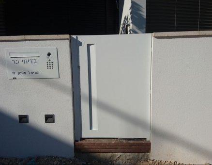 שער חשמלי דגם עמית לבית פרטי